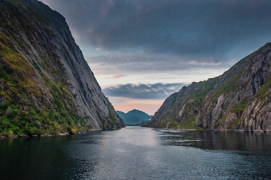 Lachsöl aus den Fjorden Norwegens